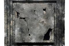 Marek Kulig, SARCOPHAGUM - OSTIUM (2017, 77x77cm, assamblage, akryl)