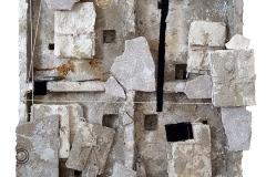 Marek Kulig, IN MEMORIAM – ARCHEO (2016, 70x70cm, assamblage, akryl)
